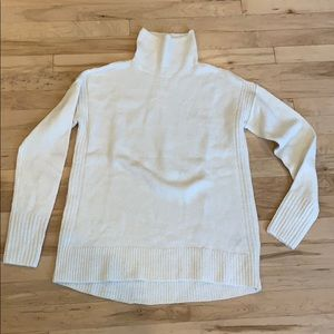 GAP NWT turtleneck